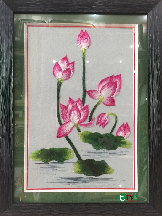 tranh thêu Hoa Sen tnc0617
