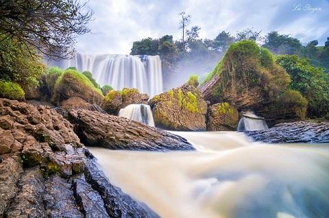 Cảm giác bình yên và thơ mộng trong mỗi bức tranh thêu phong cảnh