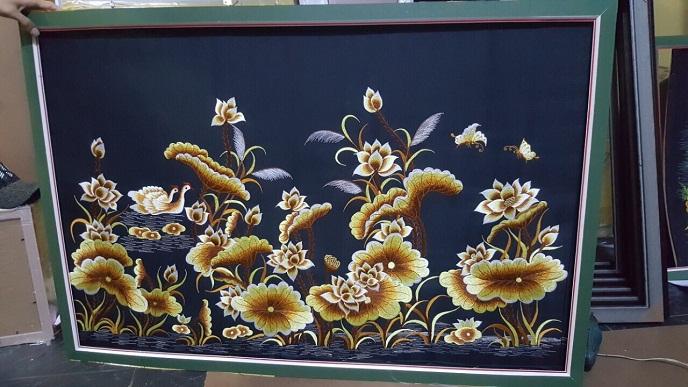 tranh thêu máy - Sen Vàng tnc07