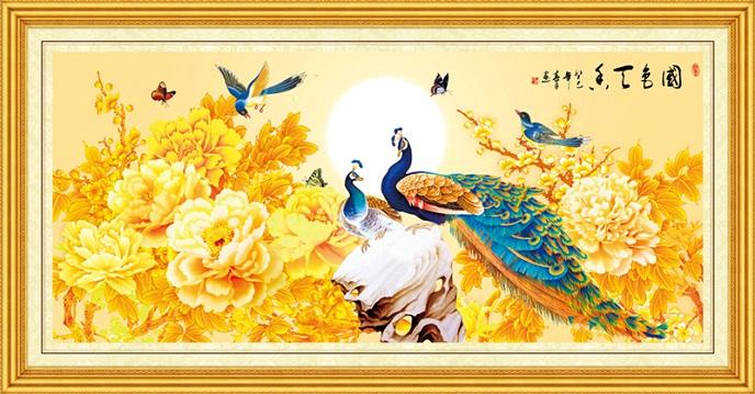 Tranh thêu Chim Công tnc011